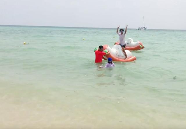 はいむるぶしビーチの無料遊具・浮き輪・石垣島の小浜島